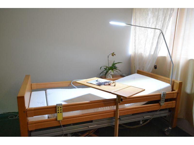 Lampa do łóżka rehabilitacyjnego
